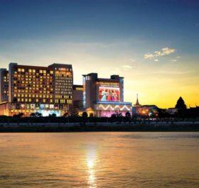 Nagaworld là một trong những khách sạn sang trọng và xa hoa nhất Campuchia