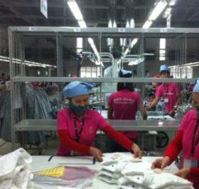Kinh tế Campuchia vẫn chủ yếu dựa vào ngành may mặc