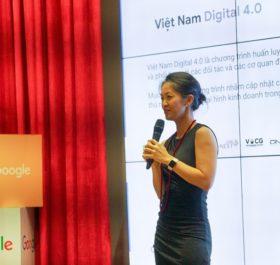 Bà Ninh Đỗ, Giám đốc Marketing của Google Việt Nam phát biểu khai mạc Khóa học.