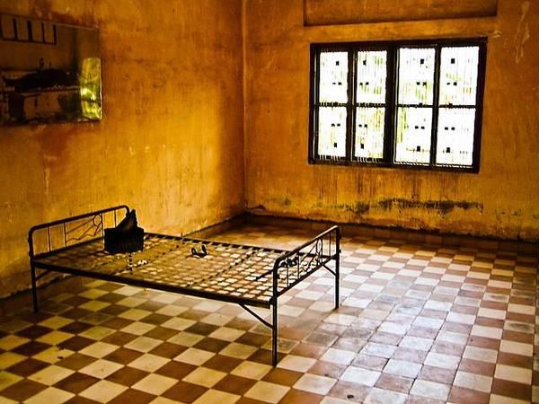 Du lịch Campuchia tại Phnom Penh: Bảo tàng diệt chủng.