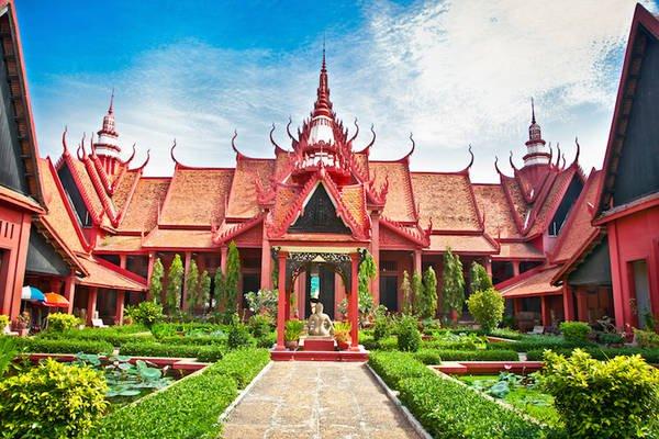 Du lịch Campuchia tại Phnom Penh: Bảo Tàng Quốc Gia.