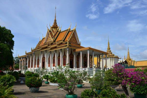 Du lịch Campuchia tại Phnom Penh: Cung Điện Hoàng Gia.