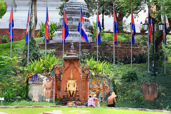 Du lịch Campuchia tại Phnom Penh: Đền Wat Phnom.