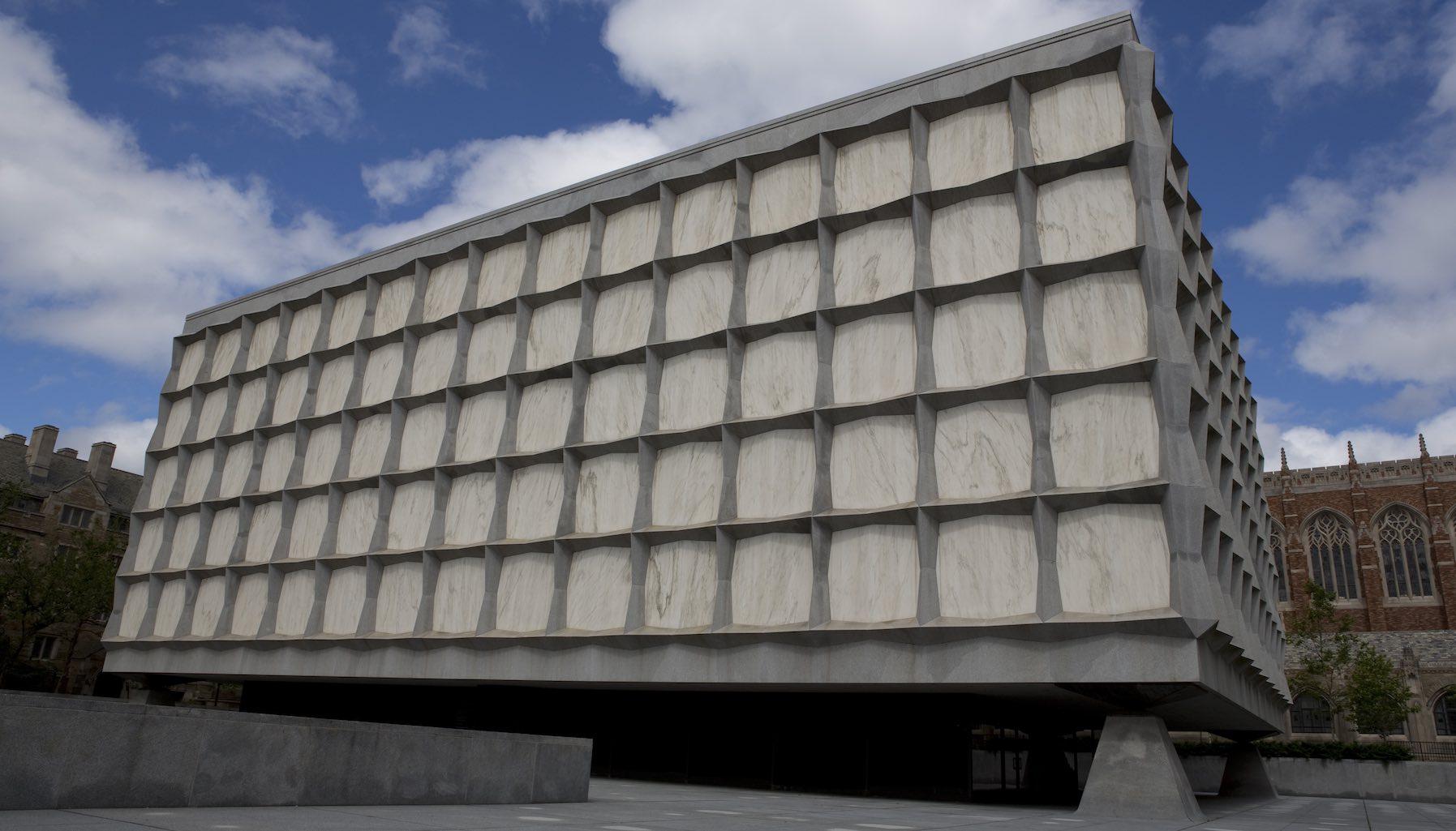 Khuôn viên thư viện Beinecke, đại học Yale