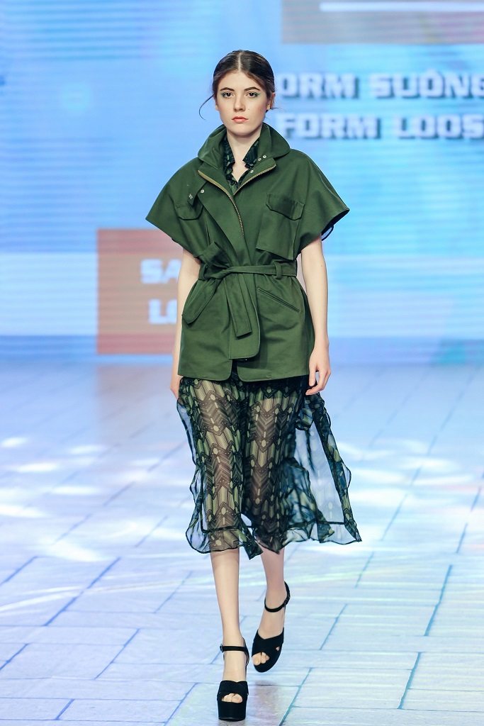 Trang phục được làm từ vải sợi sen