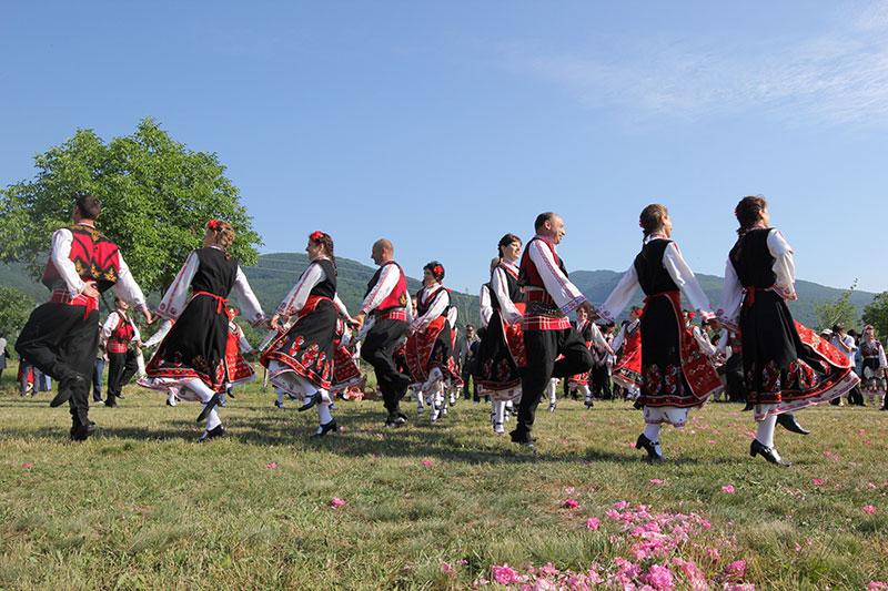 """Lễ hội Hoa hồng Bulgaria - """"đặc sản"""" của vùng Balkan"""