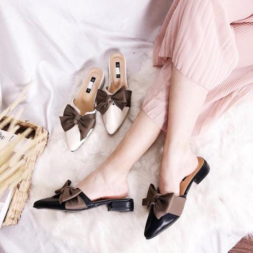Giày thắt nơ