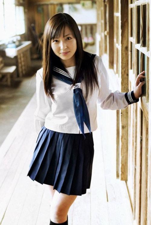 Bộ đồng phục theo phong cách thủy thủ của Nhật Bản