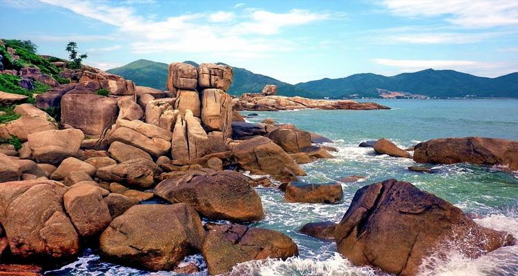 Bãi Hòn Chồng Nha Trang