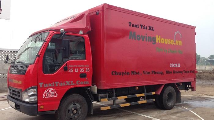 Vũ Hồng Phong thành lập Công ty Dịch vụ chuyển nhà Xá lợi Moving House - công ty dịch vụ chuyển văn phòng, chuyển nhà trọn gói tại thành phố Hồ Chí Minh.